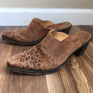 Old Gringo Leopardito Distressed Leather Mules